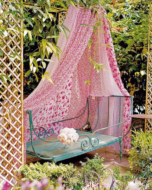pink summer nap via melzinha1234