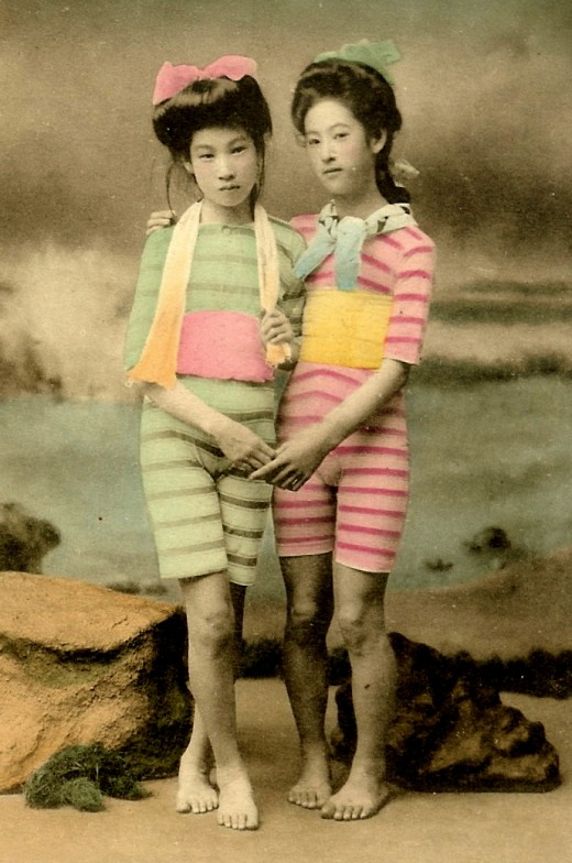 Meiji Era Geishas as Bathing Beauties, c.1900.3