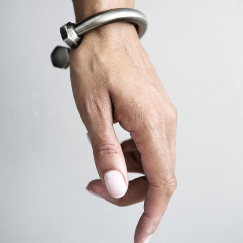 bolt bracelet.yvonne kone2